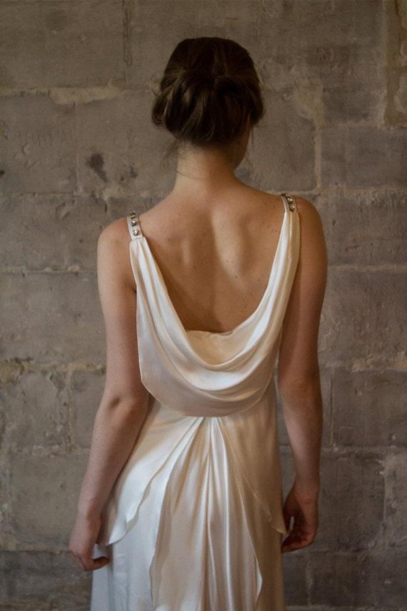 Vintage Low Back Wedding Dress