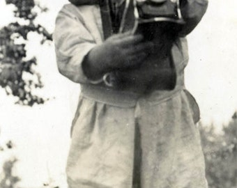 vintage photo 1911 Baby Ann Takes Photograph w Fold Out CAmera