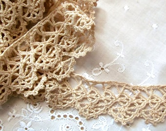 """Cotton Delicate Beige Scallop and Loop Crochet Edging 1-1/4"""" Wide and 2 Yards in Length"""