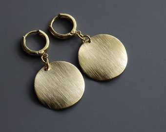 Thin Wavy Textured Disc Earrings, Gold Disc Earrings, Dangle Earrings, Modern Large Disc Earrings, Celebrity Inspired, Brushed Dot Earrings