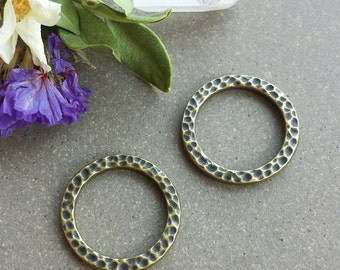 19mm Hammered Ring - Antique Brass>> 4 or 10 pieces >> Large Tierra Cast, Pewter Ring, Lead-Free, American Made, Textured, High-Quality