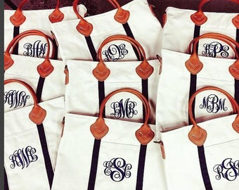 Personalized Travel Bag Great Holiday Gift Monogrammed Shoulder Bag Travel Bag Flight Bag Zipper top Tote Weekender Bag Bridesmaid gift