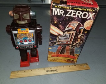 Vintage Mr Zerox Robot Trade Mark S.H Horikawa Made in Japan Battery Operated Toy