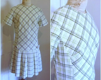 Sixties green and white plaid scooter dress // large 10 12 cute drop waist pleated skirt
