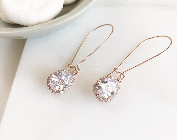 Tose Gold Drop Earrings. Bridesmaid Gift. Drop Earrings. Wedding Jewelry. Simple Rose Gold Bridal Earrings. Dangle Earrings. Jewelry Gift.