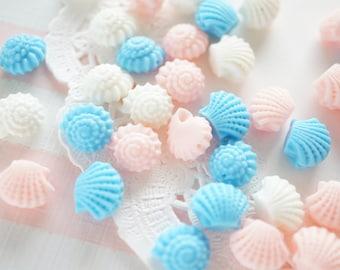 12 pcs Tiny Shell Beads / 3D Cabochon DR440