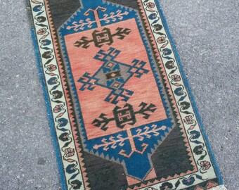 Bath Mat Rug, Small Turkish Rug Table Runner Oriental Rug, Vintage Boho Rug, Oushak Carpet, Bathroom Rug, Home Decor Rug 2.9x1.7ft/ 89x53 cm