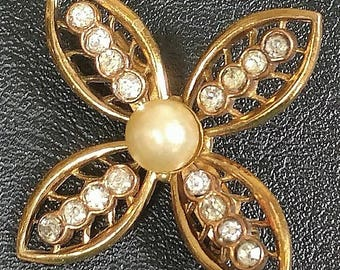 Coro art deco flower brooch with rhinestones and pearl, script signed, 1930s - 1940s vintage pin
