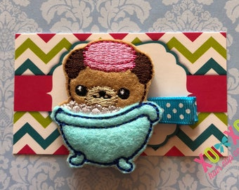 Pug in a Tub Clip