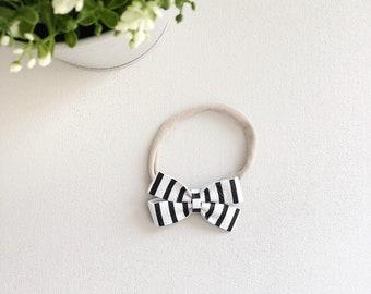 Chelsea   black + white stripes