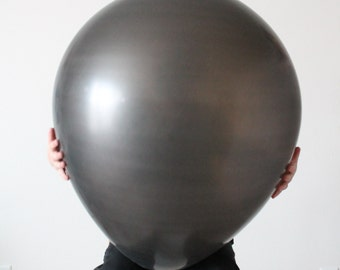 28 Inch Black Round Latex Balloon (Premium Helium Quality)