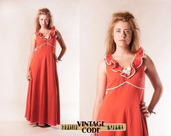 Red 1970s vintage Maxi dress / Floor Length Empire waist Knit Maxi dress by Racell / Scandinavian vintage / size  medium