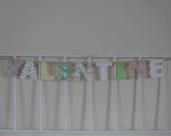 Name 9 letters Valentine Garland