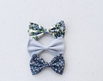 Blue rose print Bow Set for your little darling.