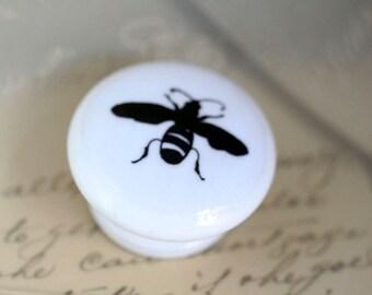 Door Pull Bee Signet