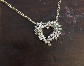 VINTAGE - Costume Jewelry Necklace - Gem Heart