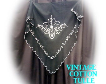Vintage cotton bobbinet tulle - Cornely freehand embroidered - Couture.