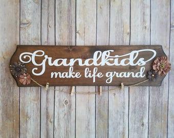 Grandma gift, Gift for Grandma, New Grandma Gift, Gift for Grandmom, Grandparent Gift, Photo Holder, Grandma Sign, Grandkids Sign