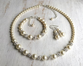 Mother-of-the-Bride Jewelry Set Mother-of the-Groom gift from Bride Mother-in-Law Necklace Mom Wedding gift Swarovski Pearl Jewelry Set