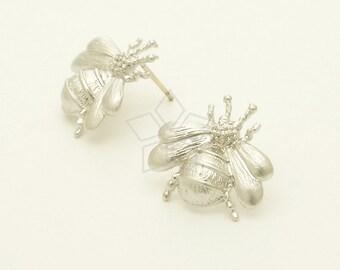 SI-758-MS / 2 Pcs - Bumblebee Stud Earrings, Bee Earrings, Matte Silver Plated over Brass / 17 x 17mm