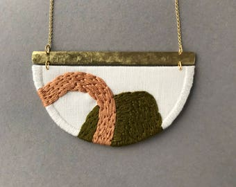 MAHLER - Linen, Thread and Gold Necklace - Khaki and Tan