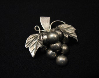 Vintage Taxco Mexico Sterling Silver Grape Bunch Brooch Pendant Signed