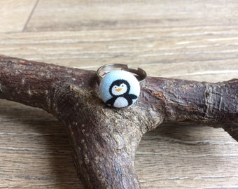 Small penguin ring, penguin ring, penguin gift, penguin jewellery, penguin lover gift, costume jewellery, cute jewellery, button ring