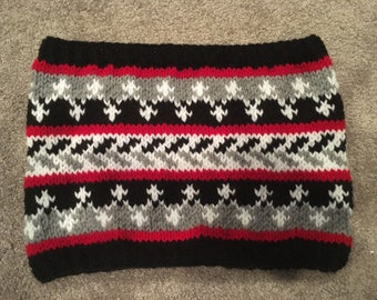 Hand Knit fairisle colourwork cowl in black, red and white