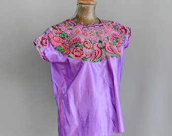 Vintage Mexican Blouse. Embroidered Mexican Top. Mexican Embroidered. Vintage Mexican Huipil.