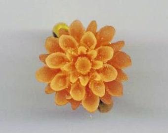Anneau de chrysanthème. Fleur maman marron clair. Bague florale au Caramel de miel. Or plaqué réglable anneau - Flower Power par enchantedbeas sur Etsy
