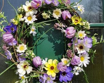 Spring wreath, floral wreath, tulip wreath, spring flower wreath, country chic, door wreath, door decor, purple wreath