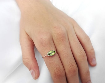 14k Gold Green Peridot Ring, August birthstone, Natural Gemstone Engagement ring, Anniversary Gift, Unique gift for Her