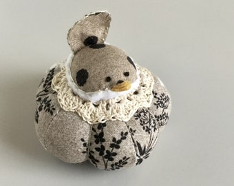 Black and white  Floral Bird Pincushion Cute Bird Pin Cushion Botanical Pin Cushion