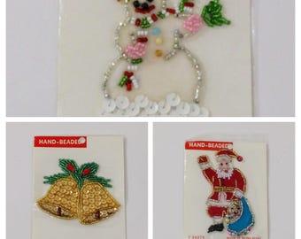 Vintage Noël Appliques de perles fabriqué à Hong Kong, père Noël, bonhomme de neige, cloches, Patch à coudre, Noël Appliques, Appliques de perles, Noël