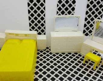 Eagle Toy Canada Bedroom Superior  Doll house furniture  White  Yellow Bed Vanity Dresser stool