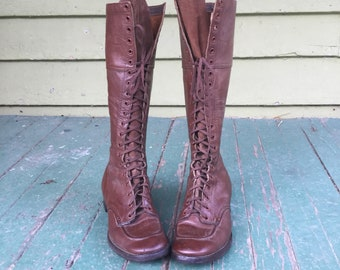 Antique Tall Brown Leather 21 Eyelet Women's Walking Boots Size 7 to 8 in Excellent Condition