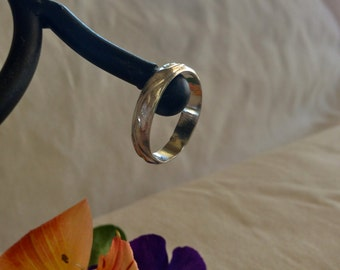 Wave Pattern Sterling Silver Thumb Ring. Eco Friendly. Ring Band.  Classic.