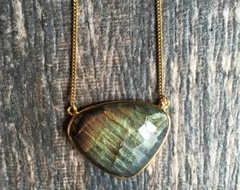 Labradorite Necklace,Labradorite Necklace Gold,Large Labradorite Necklace,Labradorite Pendant,Labradorite Cabachon,Statement Labradorite