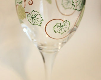 Grapevines Wine Glasses Painted Personalized Custom Grapes Leaves Vineyard Winery Yellow-Green, Hunter, Golden Brown