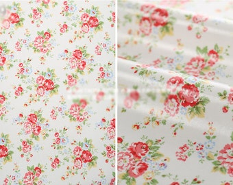Oilcloth Fabric Homeware Craft Medium Floral on White Retro Style Fat Quarter