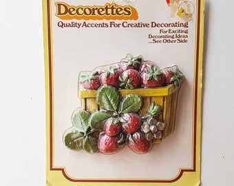 Strawberry and Pineapple Decorettes Plaques