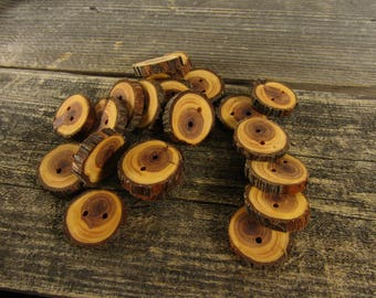 4 small wooden buttons- Juniper (3007)