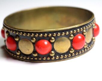Red Dot Bracelet
