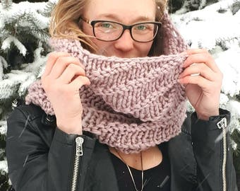 Dusty Rose Pink One of a Kind Twirly Cowl 100% Merino Wool All Natural Fibres