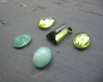 Gemstone Mixed Lots Cabochons 3mm - 7mm Faceted Semi Precious Destash Peridot The Crow Keeper Jewelry Findings