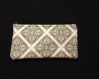 Green Diamond Filigree on White Coin Purse, Pencil Case, Wristlet, Cosmetic Bag #48