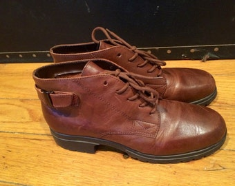 Vintage 80s 90s Laceup Brown Ankle Boots with Ankle Strap sz 7.5