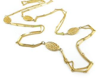 Vintage Long, Gold Tone Necklace, Links, Chain, STY51