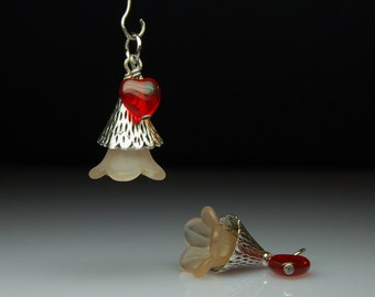 Bead Dangles Vintage Style Lucite Flowers Hearts Pair BR104