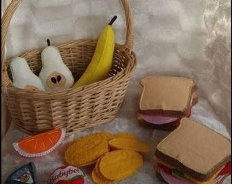 Basket picnic foods in felt to play the Dinette